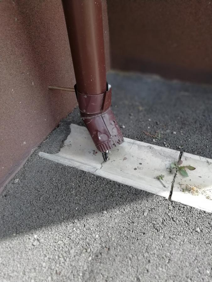 Монтаж греющего кабеля в водосточную трубу г. Оренбург п. Ростоши